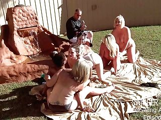 Horny Stunners Tonguing And Fucking Fucktoys In Outdoor Lezzy Orgy