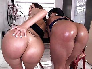 Stunning Big Booty Latina Lezzie Threeway