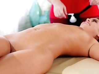 Masseuse Edyn Blair Licks Jill Kassidy Hairless Fuckbox