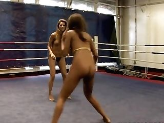 Fighters Cindy Hope And Keisha Kane Using Xxx Technics At The Ring